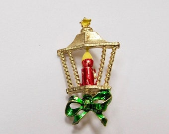 ON SALE Vintage Enameled Christmas Lamp Pin Item K # 2199