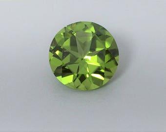 Peridot, 6.15 carat