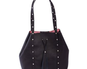 Black Leather Shoulder Bag with Red Striped Lining 'Confidence'