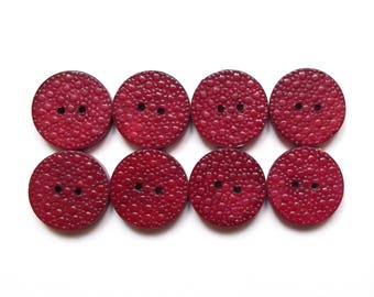 8 vintage Red China 18 mm wooden buttons