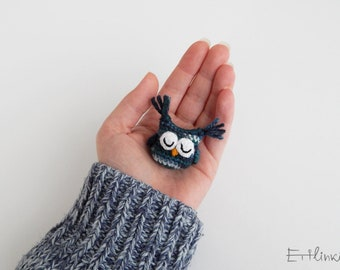 Kids brooch, Owl brooch, Sleeping owl figure, Birthday gift for child, Funny accessories, Kids jewelry, Tiny amigurumi, Fiber jewelry, Soft