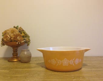 Vintage Butterfly Gold Pyrex 2.5 Quart Casserole Dish # 475-B / Baking Dish / Vintage Kitchen / Vintage Kitchen Decor