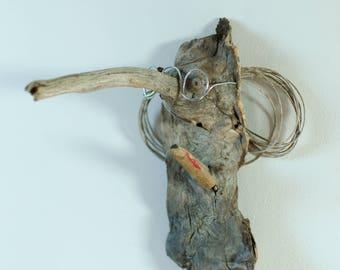 El Professor Elephant: imaginary animal wooden objects