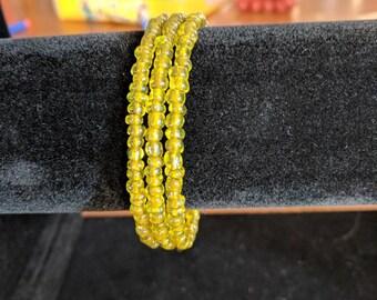 Memory wire bracelet- clear lemon yellow 6/0 seed beads