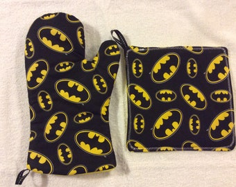 Batman Oven Mitts and Hot Pads