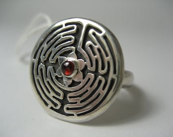 Circle Labyrinth Ring