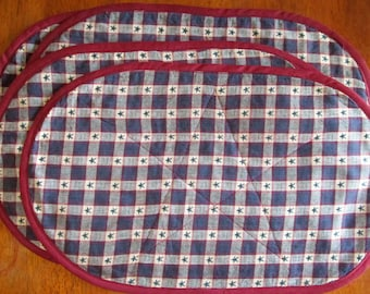 Handmade Quilted Oval Placemats, Homespun Red, White Blue.  Set of 4