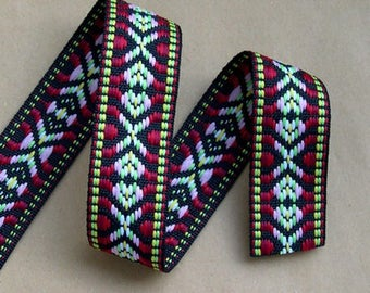 Ribbon trim ethnic patterned red and green