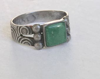 vintage sterling and green turquoise ring, size 6.25