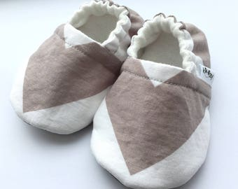 Neutral Chevron Baby Booties, Baby Shoes, Baby Slippers, Baby Booties, Baby Moccs, Soft Sole, Baby Gift, Baby Booty