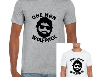 One Man Wolfpack Hangover Style - Mens/Adults Novelty Tshirt - Funny/Joke/Gift/Present/Stag/Bachelor/Stag Party Costume Outfit