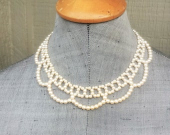 Sweet Romantic Ivory Off White Glass Pearl Scallop Collar Choker Necklace Classic Wedding Bride Bridal Vintage Estate Jewelry Jewellery