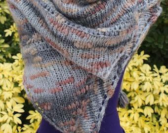 Scarf knit shawl wool shawl triangular plaid poncho acrylic yarn, hand knitted shawl, beige Brown gray warm wool cape