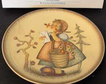"""M. J. Hummel Meditation First Edition Collector Plate """"Friends Forever"""" 1991"""