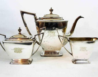 Vintage Art Deco Tea Service in Silver Plate by Pairpoint Sheffield USA. Circa 1920's.