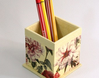 Rustic pencil holder - yellow with red peony flowers