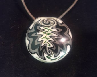 Hollow pendant