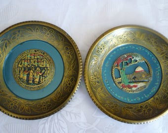 Vintage Judaica pair of wall hanging plates, Wailing Wall and Tomb of Rachel, made in Israel