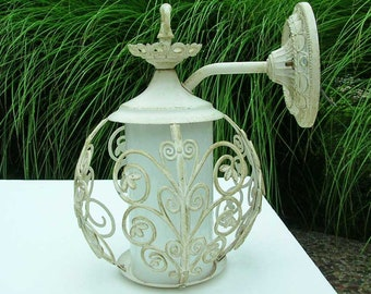 Vintage Shabby Chic Wall/Porch/Outdoor Sconce/Lighting/Fixture Electric With A Switch in Antique White With Gold Accents WORKS