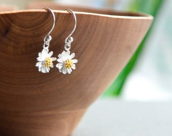 Daisy Earrings, Sterling Silver Daisies, Dangling Daisy Flower Earrings, Botanical Nature Floral, Gold Plated Silver, Tiny Daisy Earrings
