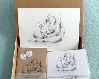 CAJAS REGALO - Ilustración de Fantasía - Dragona Leyendo