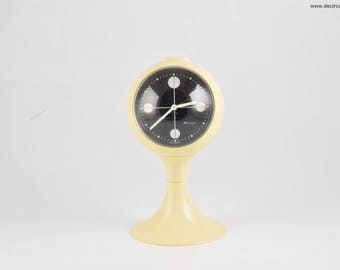 Blessing alarm clock, white pedestal tulip shape, made in Germany. Space age era, made of plastic from the early 1970S