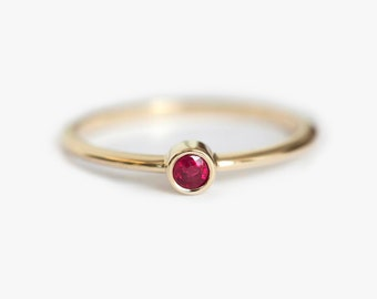 Ruby Ring, Solitaire Ruby Ring, Simple Enagegement ring, Red Engagement Ring, Pink Engagement Ring, Round Solitaire Ring