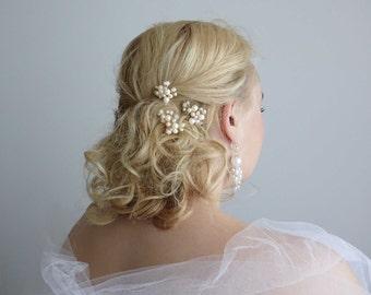 Ivory/gold Wedding Hair Pins.Set of 3. Bridal hair accessories.Wedding headpiece. Bridal headpiece. Bridal hair pins. Bridal head jewelry.