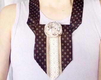 Women's neck-tie accessory