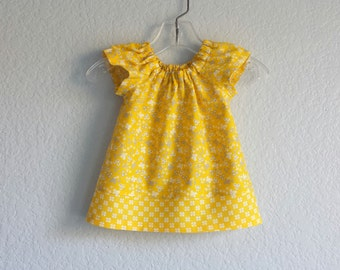 Baby Girls Yellow Flutter Sleeve Dress -  Floral Dress and Bloomers Outfit - Yellow, Grey & White Dress - Size Nb, 3m, 6m, 9m, 12m or 18m