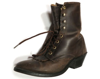 "Women's Vintage 80s/90s Brown Leather Pointed 8-Eyelet 2"" Heel Ankle Boots-Booties with Kiltie Fringe Tongue; Size 6.5"