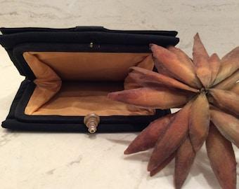 Vintage Black Cloth Clutch  Purse, Vintage Handbag, Vintage Evening Bag, Vintage Summer Purse  MRL