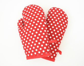 Polkadots oven gloves