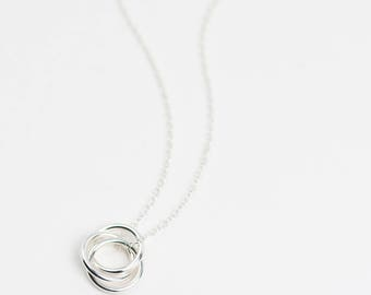 Russian Ring Necklace • Sterling Silver 3 Ring Necklace • Interlocking Ring Necklace • Triple Ring Necklace • Silver Interlocked Rings