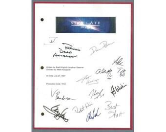Stargate SG-1 Pilot Episode TV Script Autographed: Richard Dean Anderson, Amanda Tapping, Michael Shanks, Christopher Judge, Alexis Cruz