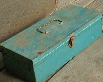 VINTAGE UTILITY BOX, container, storage, shabby patina, rusty cool, teal green, jade