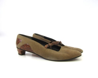 Mid Century Pumps Suede Leather Slip On Short Heels Slip Ons Brown Shoes w Leathe Bows Vintage 1960s Pumps Womens Size 8 Narrow