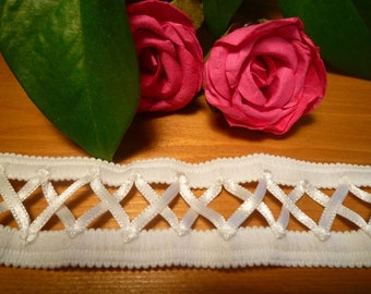 White lace ribbons laced 2.50 cm wide