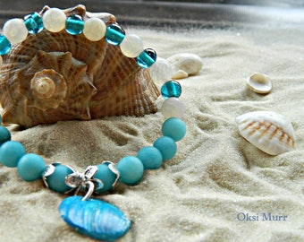 Braselet with blue white agat, natural shell, braselet for summer, braselet for a cruise