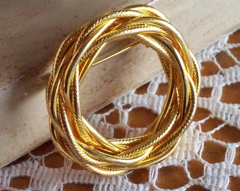 Woven Wreath Circle Brooch Pin Vintage 1960s 60s Goldtone Gold Tone