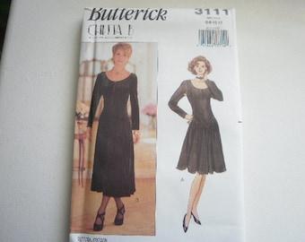 Pattern Vintage Ladies Dress 2 Styles Sizes 6 to 12 Butterick 3111 V