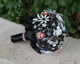 Brooch Bouquet/Full Price Bouquet/Black Wedding Bouquet/Gothic Bridal Bouquet/Black Bouquet/Brooch Wedding Bouquet/Brooch Bridal Bouquet