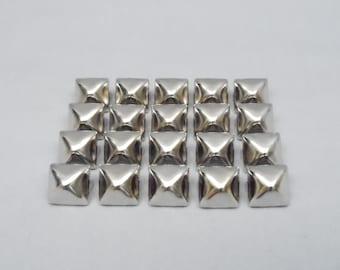 100 Silver Half Inch (12mm) Pyramid Studs
