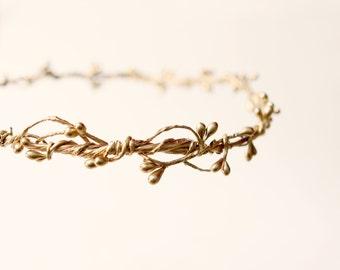 Gold bridal headpiece, Golden woodland crown, Stefana, Wedding headband, Rustic golden head piece, Gold hair crown, Winter hair accessory