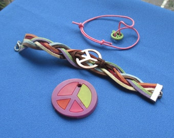 Lot Of Retro Peace Sign Bracelets Plastic Pendant TLC
