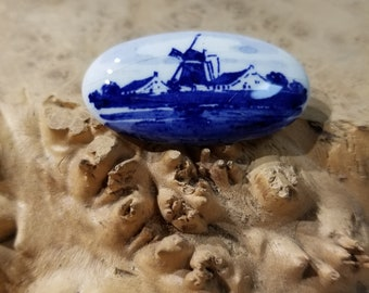 Handpainted Delft Blue Windmill Brooch Handmade In Holland presented by Donellensvintage