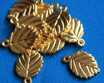 10 pcs of  Gold plated  leaves pendant 13x19mm