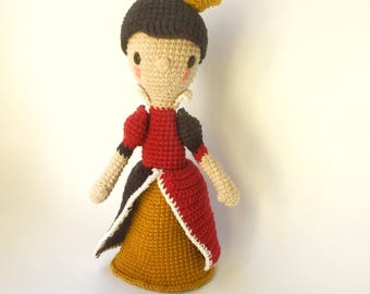 Queen of hearts, Crochet Pattern/Amigurumi