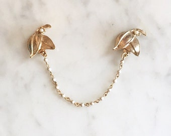 Vintage 50s 60s Gold PEARL Chain Leaf Sweater Clip