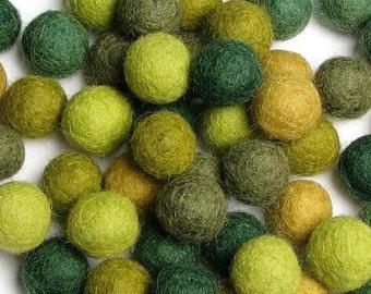 60 Hand-felted Wool Felt Balls 1.5 CM Evergreen Handbehg Felts Fiber Crafts